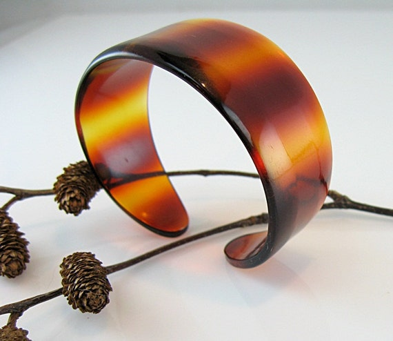 French Lucite Vintage Bracelet Cuff Banded Tortoiseshell Colors Petite Size Warm Honey and Cognac