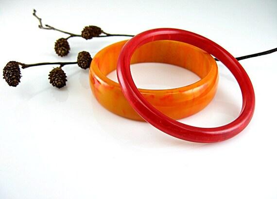 Bakelite Bangles Vintage Bracelet Set of Two Red & Orange Egg Yolk w/ Cherry Juice Swirl 1940s
