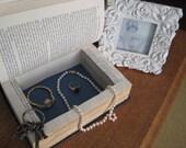 Book Safe Hollow Secret Storage Jewelry Box