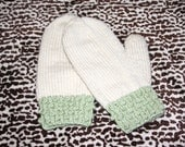 Cable and bobble cuff mittens