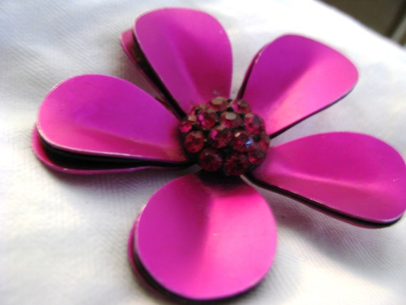 FUSCHIA pink purple satin aluminum flower brooch from 1960s. MATCHING prongset RHINESTONES in center.