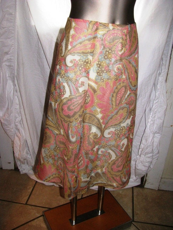 Vintage a line PAISLEY skirt 1980s from SUSAN BRISTOL. Dusty rose gauze with chiffon underlining.  size 6