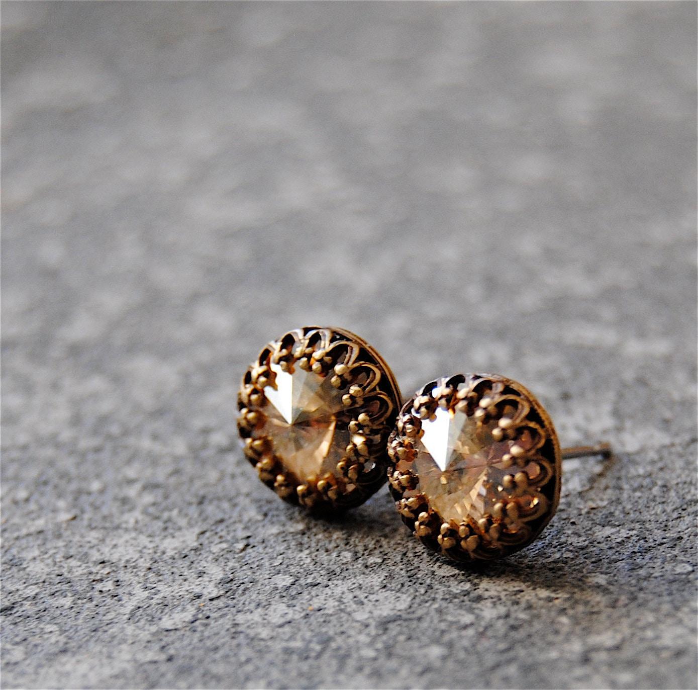 champagne diamond stud earrings swarovski crystal beige. Black Bedroom Furniture Sets. Home Design Ideas