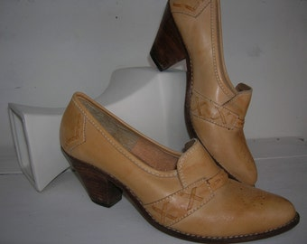 Vintage Tan Leather Southwestern Shoes