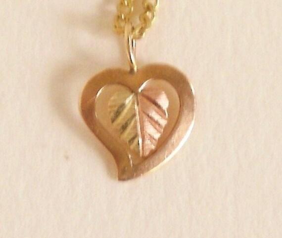 10 K Black Hills Gold Pendant Necklace