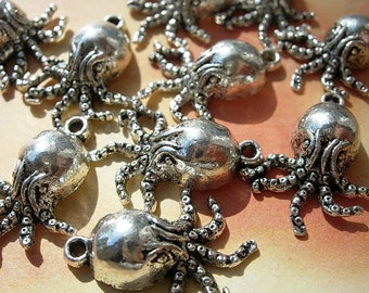 10 SCARY Little CTHULHU Charms - 18.5mm  long Lovecraft Minions D.I.Y. jewelry Making