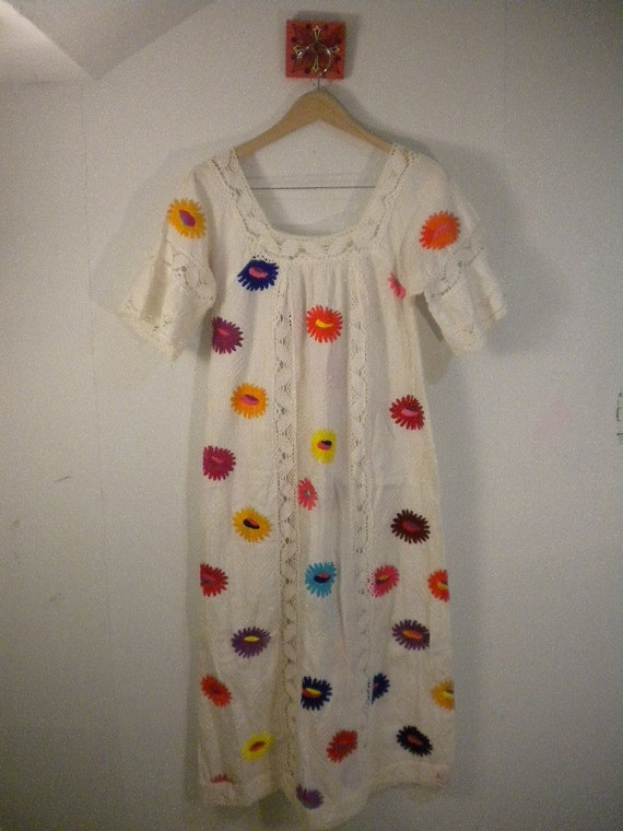 70s Folk Hippie Flower embroidered white cotton dress Size open S M L
