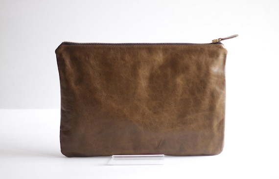 POUCHETTE- Distress Leather Medium Carry-all Clutch in Rustic Brown