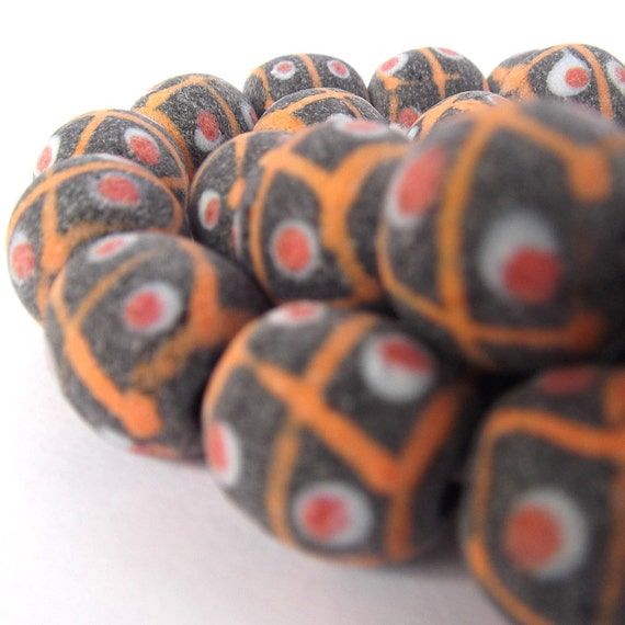 Tribal Beads - Indonesian Glass Beads ManikManik 12 mm (15)