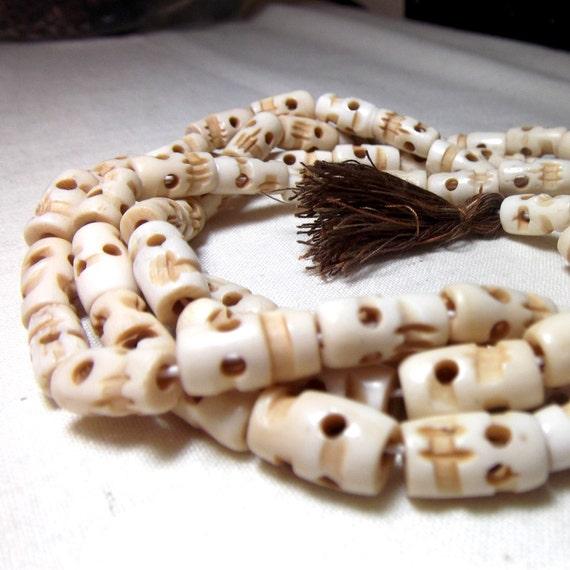 Bone skull beads - Little Shrunken Heads (20 beads) halloween beads