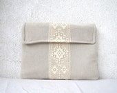 13'' MacBook Pro Sleeve in Natural  Linen and Lace with flap