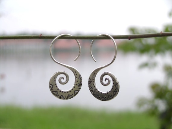 Hill Tribe Silver Earrings-The Spiral Swan
