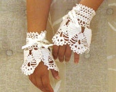 wedding lace wrist cuffs cream white color, bridal lace fingerless gloves, crochet Victorian cuffs