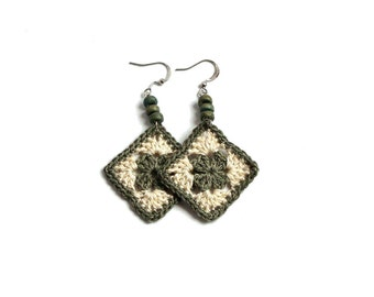 Sage green beige pendant crochet square earrings, ear drops textile jewelry, fiber crochet earrings, small fiber earrings, granny earrings