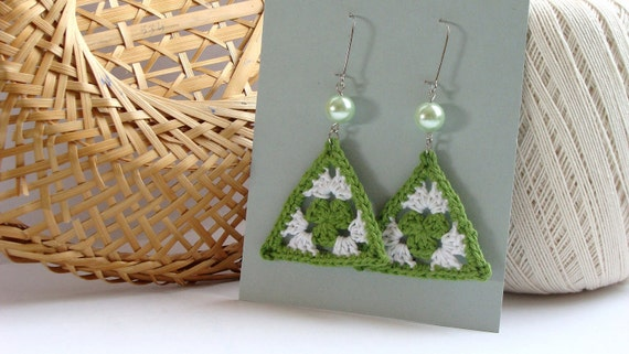 Kelly green and white crochet triangle earrings - crochet accessories