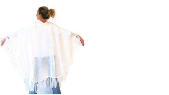 white poncho,shawl,stole,women clothing,soft,march trends,warm,tricot fabric,handmade lace,spring trends,for her,gift ideas