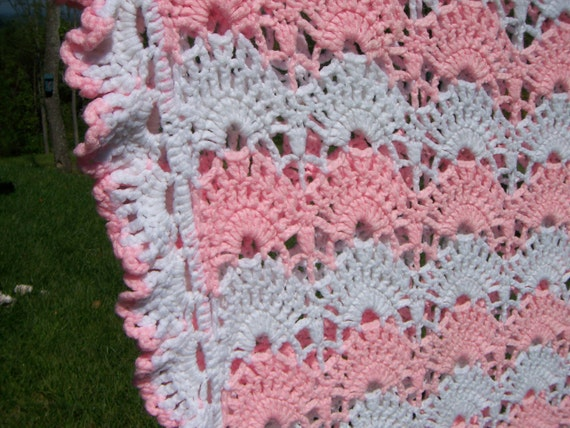 Vintage Crocheted Afghan Pink White Shell Pattern large twin size