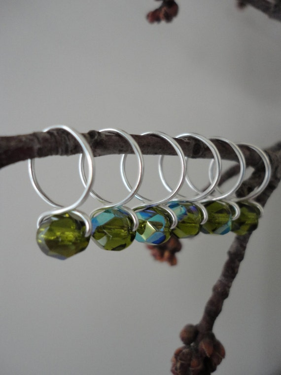 Olive - Snag Free Knitting Stitch Markers (Medium) - Fit up to size 11 US (8.0 mm)