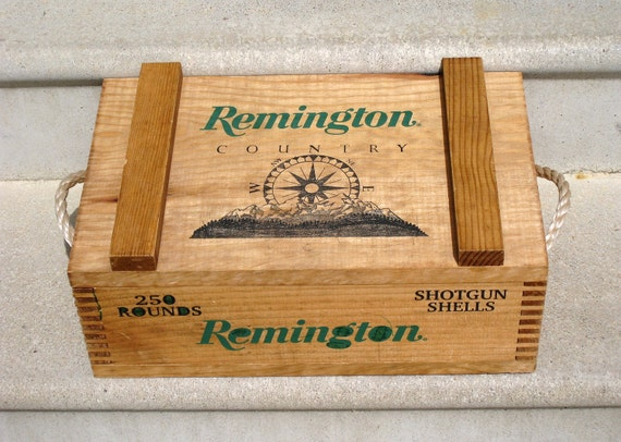 Remington Country Wooden Dovetail Shotgun Ammo Box/ Rope Handles - Empty