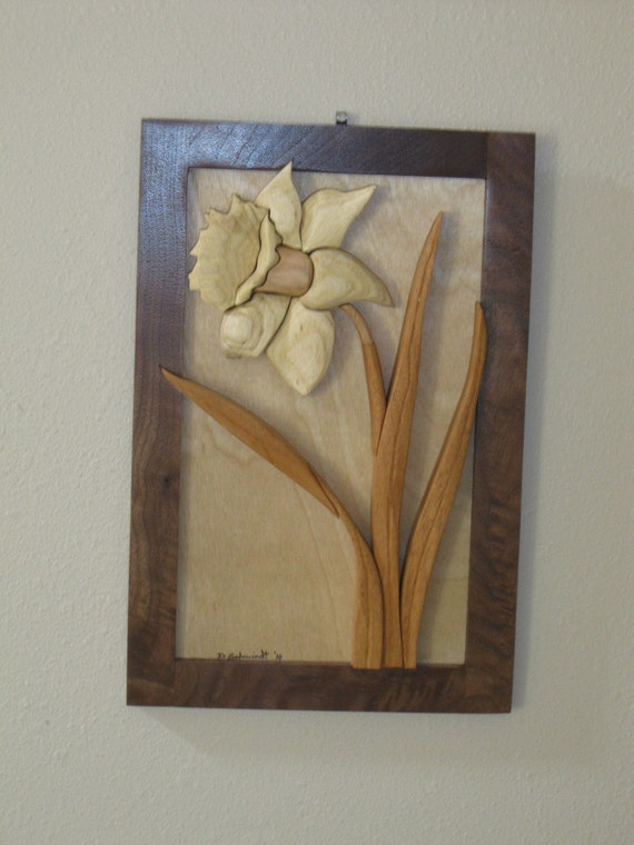 Daffodil flower, hand carved Intarsia gift by Rakowoods, birthdays, anniversaries, personal gift, carved wall decor,flower gift