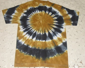 "Tie dye adult shirt - Vegas Gold and black ""bullseye"", 750"