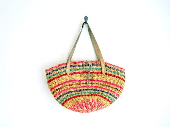vintage woven jute tote // farmers market tote with leather handles // bohemian