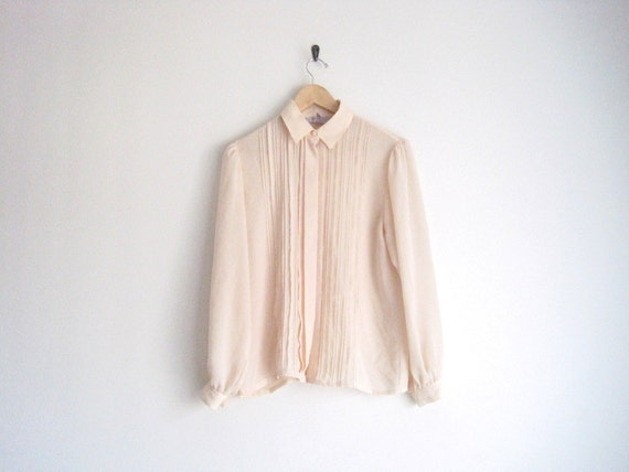 vintage cream pleated blouse // pintuck pleats // pointed collar shirt