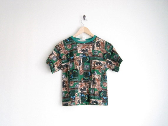 EOTY SALE - vintage 90s baby tee / cropped shirt / native american / indians buffalo print / green