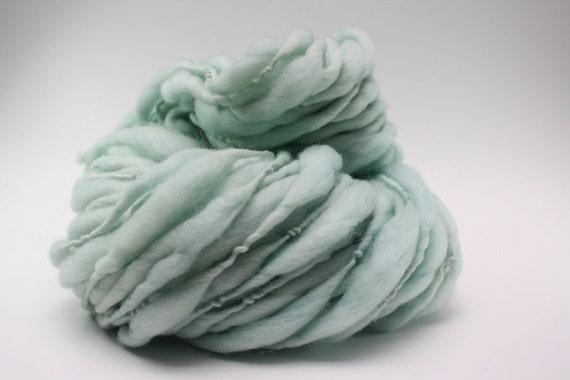 Thick and Thin Yarn Slub TTS Handspun Hand dyed Super Bulky Ice 04