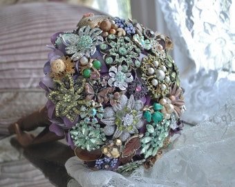 Custom Brooch Bridal Bouquet, jewelry bouquet, bling bouquet, jeweled bouquet,vintage bouquet,bridal bouquet,vintage brooches,vintage jewels