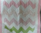 Zig Zag, Baby Quilt in pink, white and green