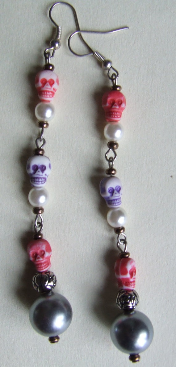 SALE Pirate Black Pearl Skull Day of the Dead Dangle Earrings with red skulls.