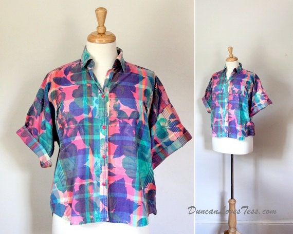 Crop Top / Vintage 80's 90's Cotton Shirt / TRUE COLORS / Faded Rainbow Flowers / Unisex Hawaiian Beach California Surf
