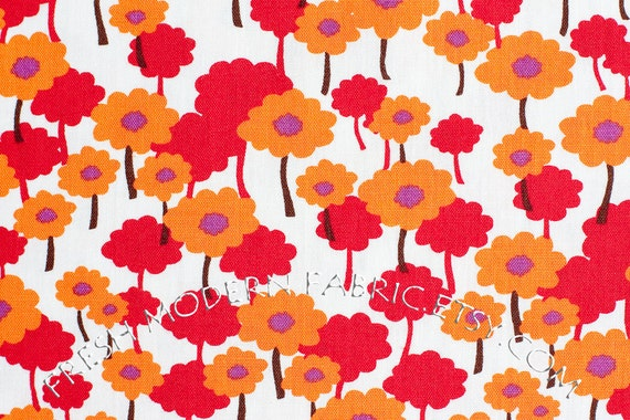 Half Yard Poppies in Orchid, 100% Organic Cotton, Pick a Bunch by Nancy Mims for Mod Green Pod, Robert Kaufman Fabrics