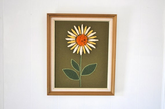 Crewel Embroidery - Daisy
