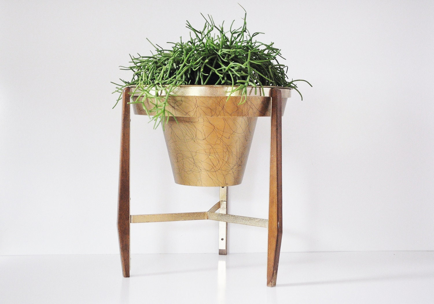 mid century wooden plant stand. Black Bedroom Furniture Sets. Home Design Ideas