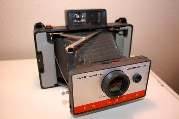 Polaroid 104 Land Camera with Folding Bellows