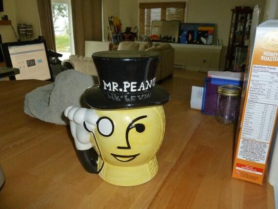 Mr Peanut Jar reserved for tkomiya