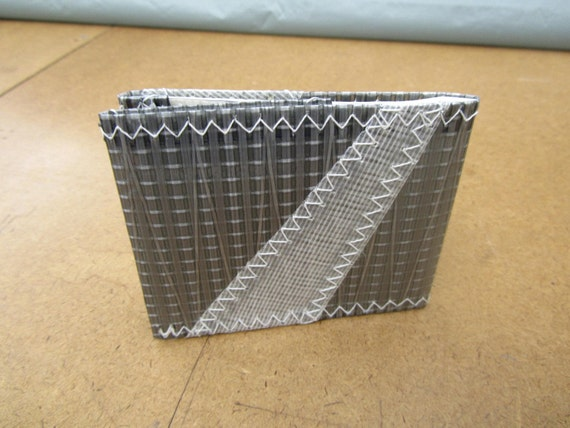 "Sailcloth ""Racer"" wallet- Silver and white"