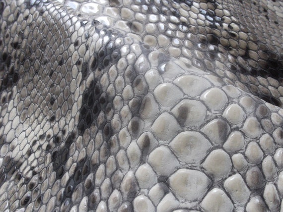 PRINT EMBOSSED(11'x29.5'') Leather Piece/Genuine leather-Snake Print