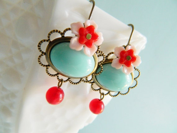 Retro Dangle Earrings in Mint Pink and Red - Sea Breeze Sensation