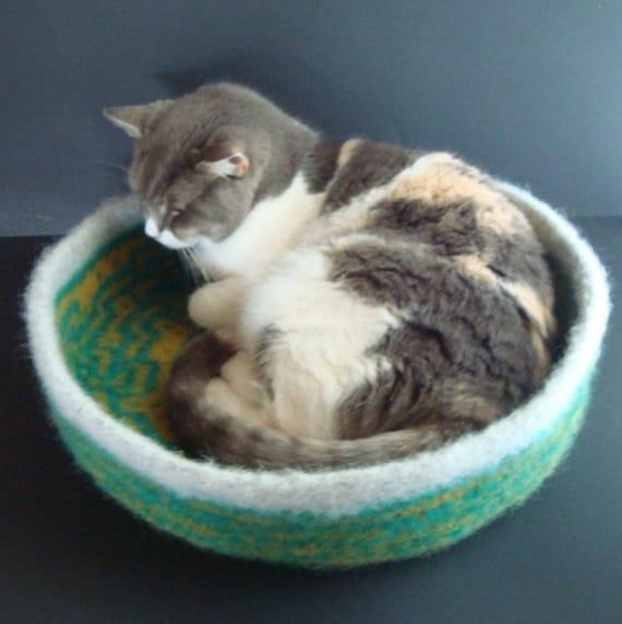 Hand Knit Felted Cat Bed Peruvian Highland Wool Pet Bed Cat Napper - Hendrick