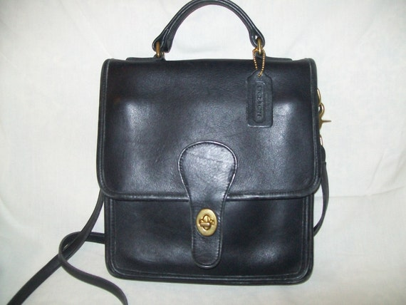 vintage coach black leather handbag classic by thedesignernook. Black Bedroom Furniture Sets. Home Design Ideas
