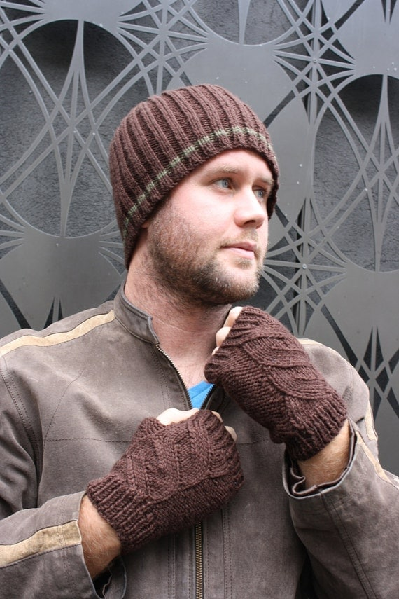 Mens Cabled Fingerless Mittens