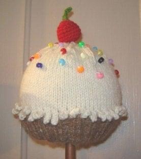Knitting Pattern Cupcake Beanie : Knitted Baby Hat Pattern Cupcake Hat