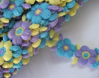 VINTAGE KNITTED EMBROIDERED floral ribbon