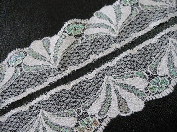 2 yard  WHITE VINTAGE  LACE   -