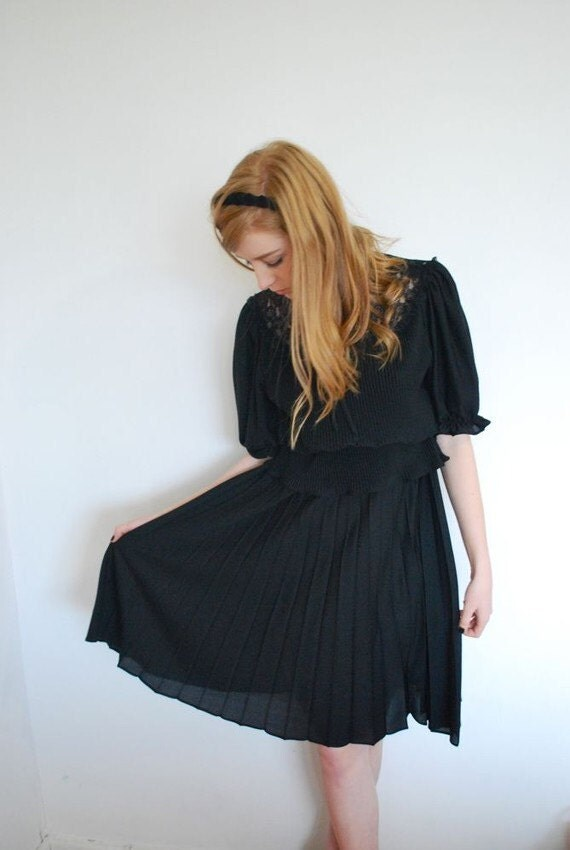 Lace, Ruffles, and Pleats. A 1970's Dress Sz. S-M