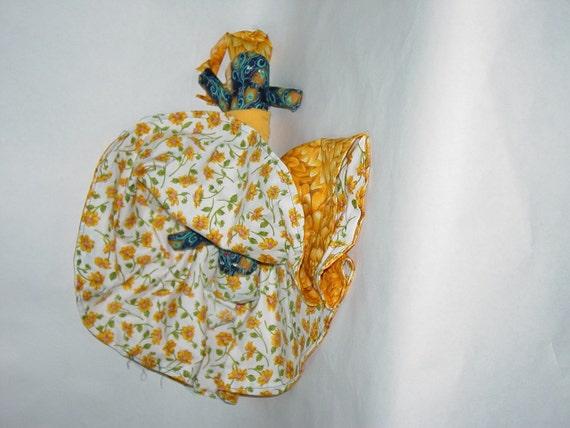 Reversible Doll, Yellow Chrysanthemums vs Yellow Posies Topsy Turvy Doll, ragdoll, cloth doll