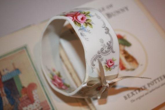 Vintage China tea Cup Bracelet